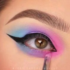 Beautiful Eye Makeup Tips Eyeshadow Looks Step By Step Beautiful eye Makeup tips Edgy Makeup, Makeup Eye Looks, Eye Makeup Steps, Eye Makeup Art, Beautiful Eye Makeup, Blue Eye Makeup, Eyeshadow Makeup, Makeup Tips, Makeup Ideas