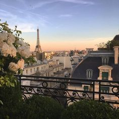 Uploaded by Frida Hedström. Find images and videos about paris, travel and france on We Heart It - the app to get lost in what you love.