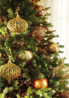 Brightly gilded Christmas tree.