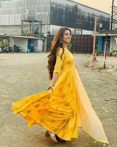 Tina Dutta, Ethnic Outfits, Most Beautiful Indian Actress, Bollywood Stars, Girl Photography, Star Fashion, Indian Actresses, Sari, Hollywood
