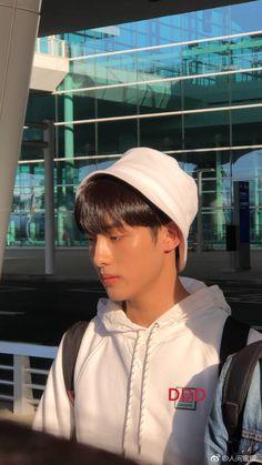 """i can't believe this winwin happened. look at how his skin glows"" Nct Winwin, Taeyong, Jaehyun, Nct 127, Daddy, Na Jaemin, Kpop, Jisung Nct, Boyfriend Material"