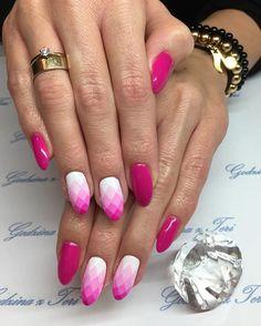 Teri#godzinazteri#godzina_z_teri#manicure#manicurehybrydowy#hybrid#hybridnails#gelnails#semilac#pinknails#fuksja#longnails#długiepaznokcie#różowepaznokcie#ombre#ombrenails#geometryczneombre#polishgirl#polskadziewczyna#warszawa#wilcza54#babskiesprawy#artnails#