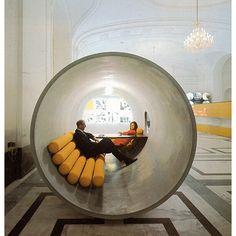 Plateia.co #CreatividadsinLimites #PlateiaColombia #diseño #design #diseñourbano #urbandesign Hans Hollein - 1969