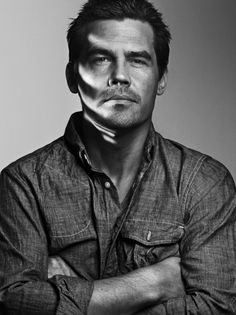 Josh Brolin as Batman in BATMAN VS. SUPERMAN? Umm... Yes Please! — GeekTyrant