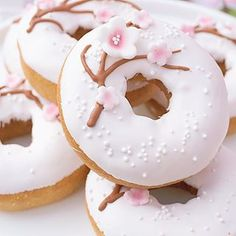 20 Different Types of Doughnuts You Need to Know and Taste - donut tattoos Mini Donuts, Cute Donuts, Doughnuts, Delicious Donuts, Delicious Desserts, Dessert Recipes, Yummy Food, Donuts Tumblr, Kawaii Dessert