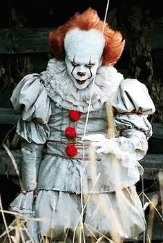 The perfect Pennywise IT Clown Animated GIF for your conversation. Clown Horror, Creepy Clown, Arte Horror, Horror Art, Scary Movies, Horror Movies, Beste Gif, Casa Anime, Pennywise The Dancing Clown