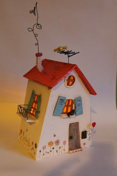 La petite maison : toutes les étapes... | C'est trop beau ton truc Clay Houses, Ceramic Houses, Miniature Houses, Ceramic Clay, Paper Mache Crafts, Clay Crafts, Home Crafts, Paper Clay, Clay Art