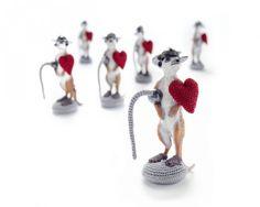 crochet meerkat brooch by Mixed Media Crochet Artist Felieke van der Leest