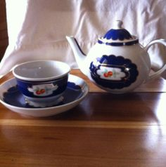 Pleasant Company, American Girl FELICITY Colonial Williamsburg Girl size Tea Set, SOLD via ebay 2/10/14 $22.00