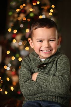 How to Take Photos of Your Kids in Front of the Christmas Tree » Scissortail SILK Great advice: practice with a stuffed animal first!