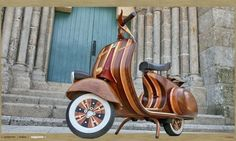Wooden Vespa by Carlos Alberto. Designed for his daughter Daniella, which is exactly what this beautiful scooter is called, Carlos Alberto crafted this fully functional Vespa scooter from laminated hardwood. Vespa Scooters, Vespa Piaggio, Motos Vespa, Lambretta, Motor Scooters, Vespa Motorcycle, Scooter Motorcycle, Vespa 125, Bobbers