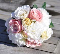 Wedding Flowers Wedding Bouquet Keepsake #weddingbouquet #wedding #flowers by @hollysflowers93, www.hollysweddingflowers.com or www.etsy.com/shop/Hollysflowershoppe