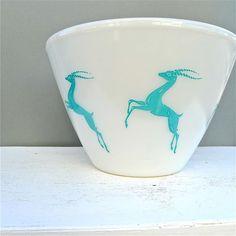 Vintage Fire King Gazelle Splash Proof Mixing Bowl RARE