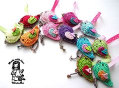 Very cute crocheted birdie