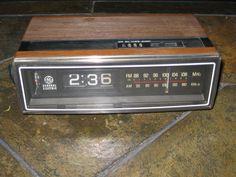 Vintage General Electric (GE) Flip Clock Alarm AM/FM Radio Model 7-4305A Works #GeneralElectric
