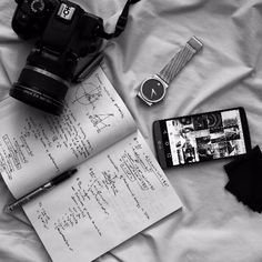 www.flat-lay.com  flatlay#flatlay #flatlays #flatlayapp#fashion #beauty #bblogger #blogger#bloggerstyle #vlog #makeup #foodblogger#foodie #potd #motd #ootd #desk#christmas #holidayseason #love #pretty#makeupartist #mua #whatsinmybag #bloglife #photographer @flatlay