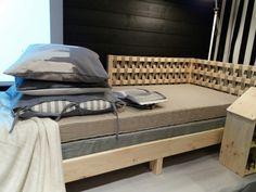 Tarva IKEA daybed Zen Living Rooms, Studio Living, Coastal Living Rooms, Living Room Decor, Ikea Daybed, Tarva Ikea Bed, Best Ikea, Guest Room Office, Home Alone