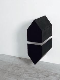 black house accessories – designed storing item   storage . Aufbewahrung . rangement   Design: Stephen Bambury  