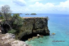 Menikmati Hening dan Bening di Pink Beach Lombok