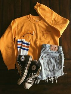 Road Trip Babe Sweatshirt Source by sweatshirt outfit summer Teenage Outfits, Teen Fashion Outfits, Mode Outfits, Outfits For Teens, Fall Outfits, School Outfits, Clothes For Girls, Fashion 2016, Night Outfits