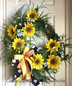 Wreaths make a great decoration for your home or as a gift for someone who appreciates and loves all things handmade by a designer. Custom Wreaths by Rosemarie helps you create beautiful, handmade wreaths for your home from Pearland, Texas. Summer Wreath, How To Make Wreaths, Door Wreaths, Grape Vines, Floral Wreath, Create, Diy Door, Projects, Christmas