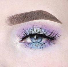 """El Anneloes Debets Hit """"Lillylashes"""" im Stil """"Opulence"""" - Make-up sieht aus - . - Make Up 2019 Makeup Eye Looks, Eye Makeup Art, Colorful Eye Makeup, Cute Makeup, Eyeshadow Makeup, Pastel Eyeshadow, Applying Eyeshadow, Eyeshadow Palette, Makeup Brushes"""