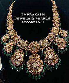 Exclusive Kundan Necklace by Omprakash Jewels Antique Jewellery Designs, Gold Jewellery Design, Gold Jewelry, Bridal Jewelry, Fashion Jewelry, Jewels, Amrapali Jewellery, Antic Jewellery, Mughal Jewelry