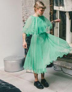Flirty dress // More style ideas on Racked: (http://ny.racked.com/2015/8/28/9220759/greenpoint-meredith-graves-neighborhood-guide?utm_content=bufferceff5&utm_medium=social&utm_source=pinterest&utm_campaign=racked)