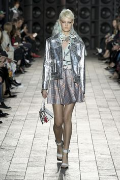 beadaef632 Silver Leather Jacket, Metallic Leather, Versus Versace, Chanel Fashion, Spring  Summer 2018