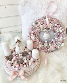 I picked 9 most beautiful pastel pink Christmas door wreaths Rose Gold Christmas Decorations, Christmas Advent Wreath, Christmas Colors, Christmas Diy, Pastel Pink, Lifestyle Blog, Garland, Brain, Decorating Ideas