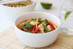 Thaisuppe med kylling og red curry Thai Chicken, Pasta Salad, Food Inspiration, Thai Red Curry, Salsa, Mexican, Meat, Ethnic Recipes, God