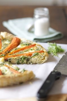 Lykkelig - mein Foodblog: Ostern steht vor der Tür! Als Stärkung nach der Ostereiersuche empfehle ich: Köstliche Möhren-Tarte mit Kerbel. Yummy-bunny!