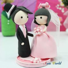 Wedding Cake topper Pink clay couple , Wedding clay doll, ring holder clay miniature, clay figurine engagement decoration