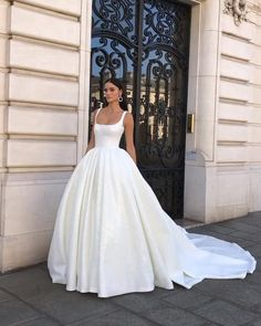 Slip Wedding Dress, Wedding Dress Sleeves, Elegant Wedding Dress, Dream Wedding Dresses, Bridal Dresses, Elegant Dresses, Chanel Wedding Dress, Convertible Wedding Dresses, Formal Dresses