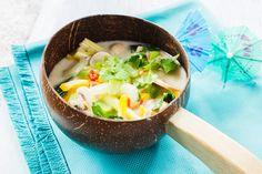 Gemüse-Kokosmilch-Suppe   Zeit: 25 Min.   http://eatsmarter.de/rezepte/gemuese-kokosmilch-suppe