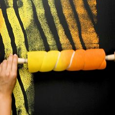 Pin by timber paris on diy home decor - wall decoration Wall Painting Decor, Diy Wall Decor, Diy Home Decor, Bedroom Decor, Painting Hacks, Diy Wand, 5 Minute Crafts Videos, Craft Videos, Mur Diy