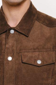 31c3575bd0f6 80e fausse-suédine Jules Veste Tissu de coton qui rappelle le suède.Tissu  velouté sur l endroit pour imiter le daim (le daim est un vrai cuir côté  chair, ...