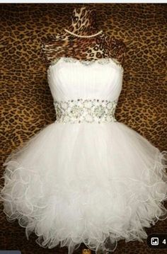 Cheap Ball Gown Sweetheart Beaded Tulle Short White Prom Dresses Gowns Formal Evening Dresses Gowns, Homecoming Graduation Cocktail Party Dresses,Custom Plus Size White Homecoming Dresses, Bridesmaid Dresses, Wedding Dresses, Reception Dresses, Graduation Dresses, Prom Gowns, Gown Wedding, Dress Prom, Wedding Reception