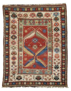 MÍLAS carpet, first half of 19th century.  155 x 122 cm.