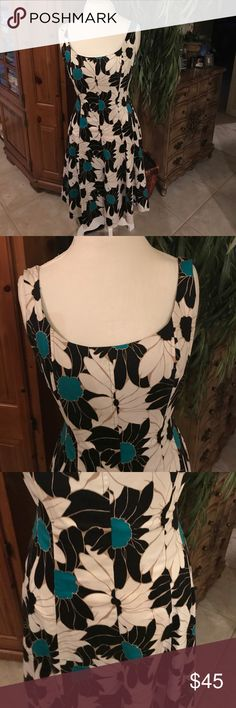 🎩FUN and fitted skater dress! 🎩🎩 👗👗Beautiful pattern and colors of turquoise gold black and white… Fun and elegant!! Nine West Dresses Midi