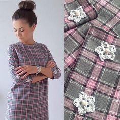Авторская одежда #ALENAGRI  Изящное и женственное платье в нежно-розовую клетку, декорированное двенадцатью цветами с натуральным жемчугом и чешским бисером  ______________________________________  #MadeWithLove #РучнаяРабота #Knitter #ВяжутНеТолькоБабушки #InstaKnit #Creation #Decor #Жемчуг #Fashion #Pearls #Spring #ReadyToWear #NewCollection #Couture #SpringCollection  #ShineBrightLikeADiamond #RussianDesigner #Atelier #ИндивидуальныйПошив #Ателье #Платье #SelfMade