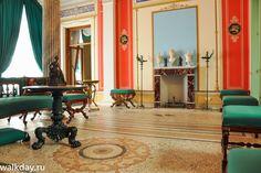Salon du Pavillon Tsarine - Île Tsarine - Parc Kolonistsky - Peterhof - Construit de 1841 à 1844 par ordre de Nicolas Ier pour son épouse par l'architecte Andreï Stackenschneider.