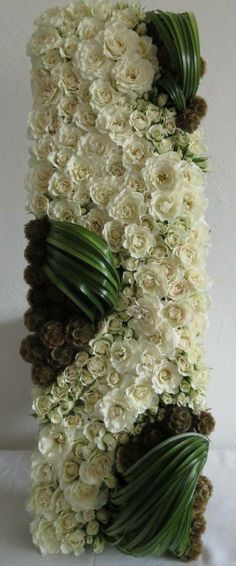 Corporate flowers, corporate flower centerpiece, add pic source on comment and we will update it. Flower Centerpieces, Flower Decorations, Wedding Decorations, Arte Floral, Ikebana, Unique Flowers, Beautiful Flowers, Corporate Flowers, Bouquet