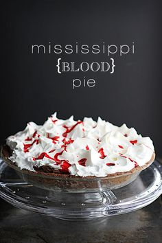 Mississippi {Blood} Pie - all the chocolatey goodness of a Mississippi Mud Pie, decked out for Halloween!