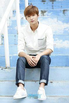 Hyunkyung - Romeo Romeo Kpop, Kim Hyun, Girl Falling, Kpop Boy, South Korean Boy Band, Seventeen, Boy Bands, Dancer, Bring It On