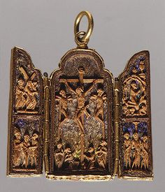 Tryptych pendant 16th century -  came across this photo researching the Gold Filigree Frame from the 1715 Fleet
