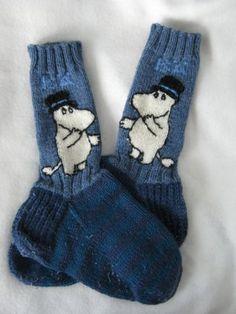 Bilderesultat for moomin knitting pattern Knit Slouchy Hat Pattern, Crochet Mittens Pattern, Fair Isle Knitting Patterns, Knit Mittens, Knitting Socks, Hand Knitting, Knit Crochet, Moomin, Newborn Knit Hat