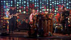 Coldplay Performs'Everglow'
