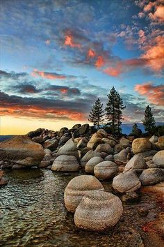 The official visitors bureau website for North and South Lake Tahoe. With webcams of the lake, the most beautiful drive around Lake Tahoe, flight deals, weather and the most direct ways to drive and fly to Lake Tahoe. All Nature, Amazing Nature, North Shore Lake Tahoe, Sand Harbor Lake Tahoe, Lac Tahoe, Belle Photo, Beautiful Landscapes, Wonders Of The World, Mother Nature