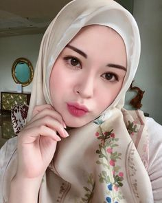 I still prefer soft colors but just tried new color on my lips. And I heard that men don't like burgundy lip. that's why I always hang out with Rina or Ayu😂🤦🏻♀️ lipcream on my lips! Beautiful Hijab Girl, Beautiful Muslim Women, Hijabi Girl, Girl Hijab, Girl Number For Friendship, Burgundy Lips, Muslim Beauty, Hijab Chic, Muslim Girls